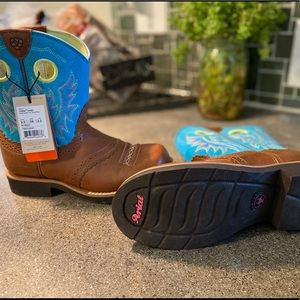Ariat youth girls' Cowgirl Boots-Round toe